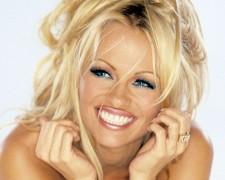 Pamela Anderson (21)