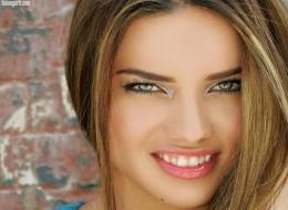 Adriana Lima (28)
