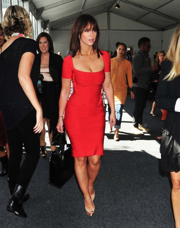 Jennifer Love Hewitt w czerwonej sukience (1)