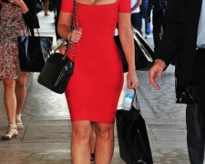 Jennifer Love Hewitt w czerwonej sukience (2)
