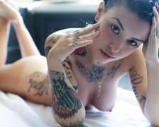 Laska z tatuażem (4)