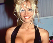 Pamela Anderson (22)