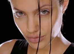 Angelina Jolie (15)