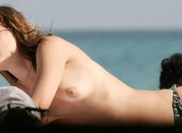 Mena Suvari topless (4)