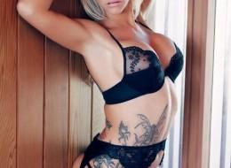 Modelka z tatuażem (11)