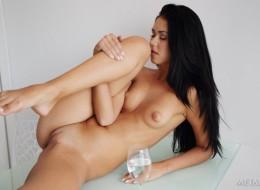 Erotyczna laseczka (1)