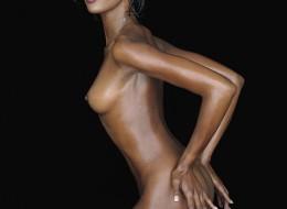 Kolejne seksowne zdjęcia Naomi Campbell (8)