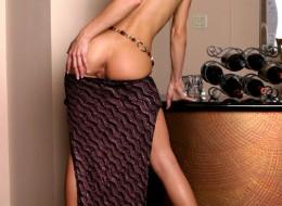 Chuda laska ze sztucznymi piersiami (10)