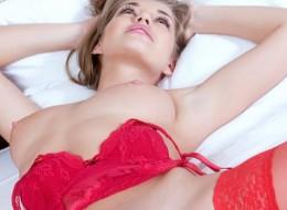 Czerwona sex bielizna (4)