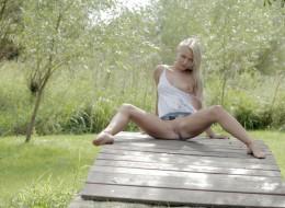 Wiejska blondyna z cipką na wierzchu (9)