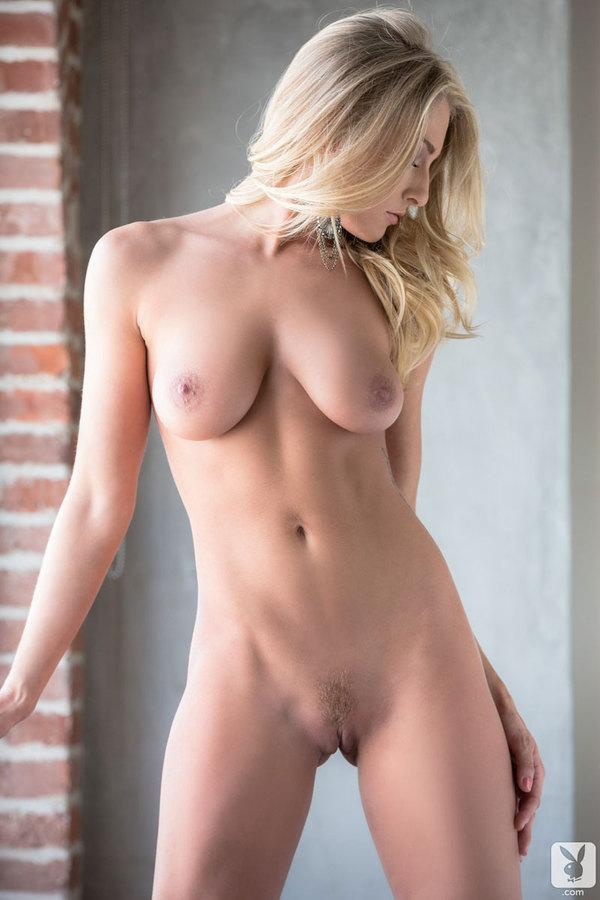 Blondyna w różu (5)