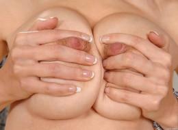 Naturalne duże piersi (1)