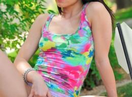 Bruneta w letniej sukience (10)