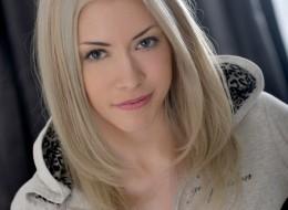 Blondi w bluzie (9)