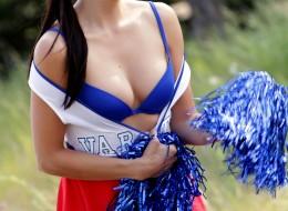 Młoda cheerleaderka (8)