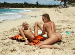 Młode cipki na plaży (6)