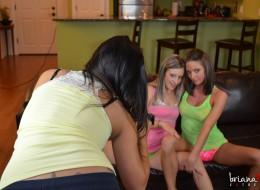 Trzy koleżanki i amatorska sex sesja zdjęciowa (14)