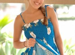 Amatorka w sukience niebieskiej (2)