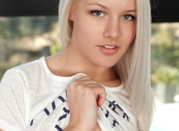 Nastoletnie blondynki nago