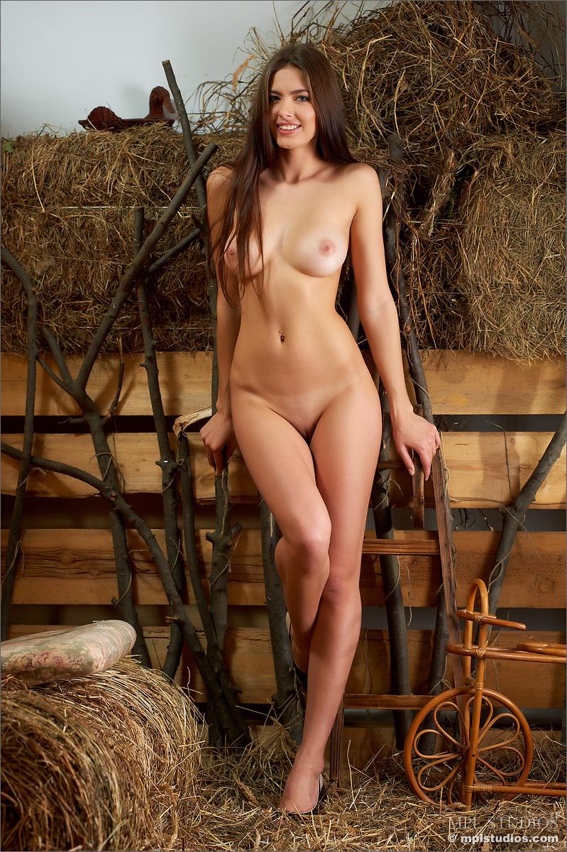 darmowe porno stodoła grube porno siedzi