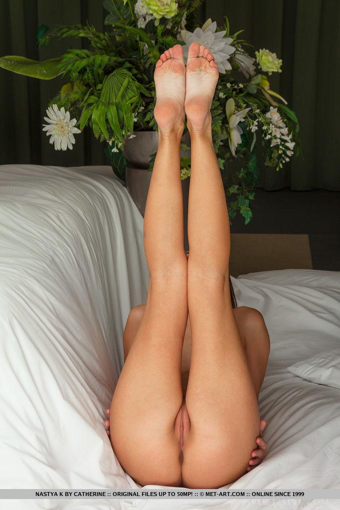 Dziwne pozycje w łóżku (7)