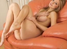 Sex laska na kanapie (9)