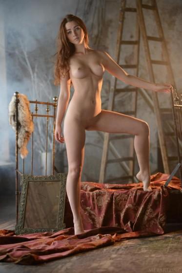 бесплатно фотогалереи голых натурщиков