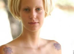 Naga w tatuażach (11)