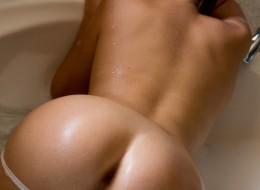 Kąpiel erotyczna (8)