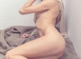 Zgrabne ciało modelki (7)