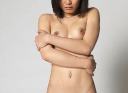 Azjatycka modelka nago (3)