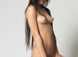 Azjatycka modelka nago (8)