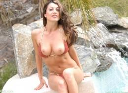 Mamuśka i soczyste bikini (7)