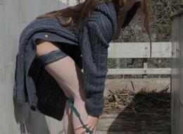 Ze szparką w swetrze (9)