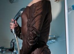 Nastolatka pod prysznicem (6)