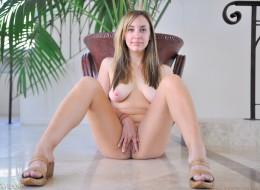 Brązowe seks oczka (2)