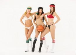 Trzy koszykarki (6)