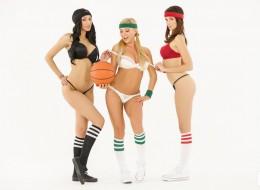 Trzy koszykarki (7)