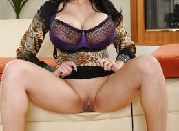Gigantyczne latynoskie piersi (12)