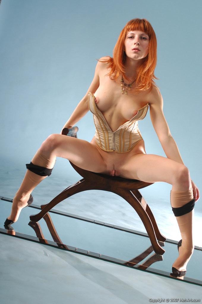 Na drewnianym siedzisku (5)