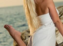 Plaża przyciąga piękne dupeczki (10)