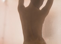 Latynoska pod prysznicem (9)