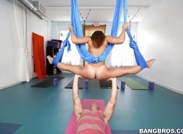 Seks połączyli z gimnastyką (8)