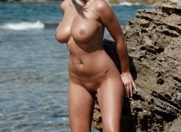 Gorąca muszelka na plażowej sesji (10)