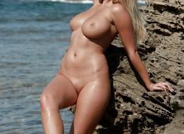 Gorąca muszelka na plażowej sesji (12)