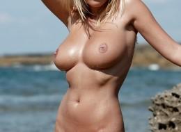 Gorąca muszelka na plażowej sesji (14)