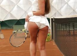 Seksowna i bardzo zgrabna tenisistka (9)