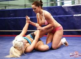 Silne dziewczyny w ringu (8)