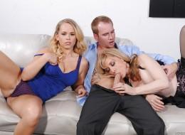 Gorący seks trójkąt z milfą, córką i jej chłopakiem (6)