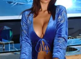 Piękna Azjatka w niebieskim szlafroku (4)